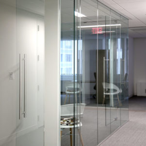 IllumeFramelessGlassOfficePatchFittingDoor-SpaceworksAI (1)